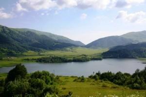 Lake_Ertso_-_Shida_Kartli,_Georgia_(02)