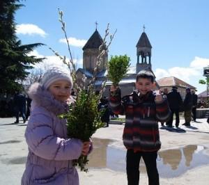 pravoslavnie-yuzhnoj-osetii-otmechayut-verbnoe_3-p